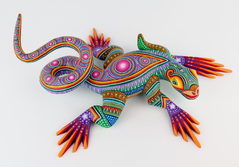 Oaxacan Wood Carving Magaly Fuentes And Jose Calvo Finely Painted Large Coiled Tail Iguana Lizard